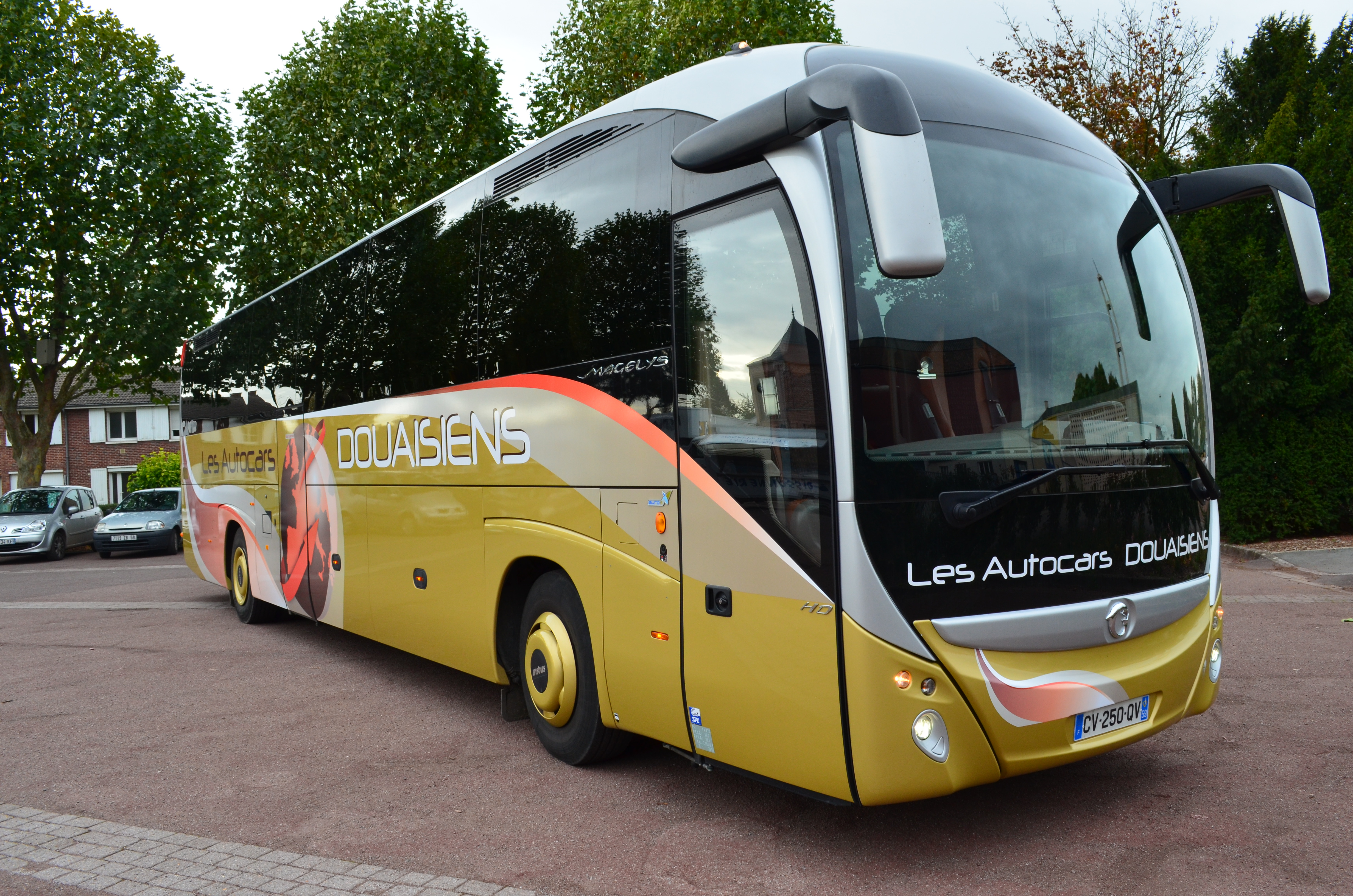 voyage autocar autocar grand tourisme luxe 53 places. Black Bedroom Furniture Sets. Home Design Ideas